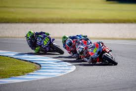 great race to fourth by Álvaro bautista