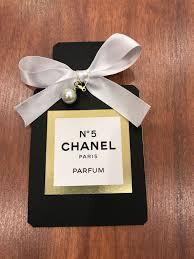 Invitacion De Chanel Incluye Todos Los Elementos En La Imagen
