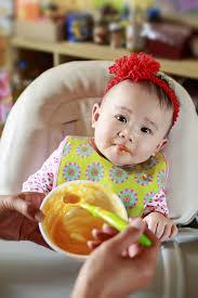 Thực đơn ăn dặm cho bé 5 tháng tuổi - HUGGIES® Việt Nam