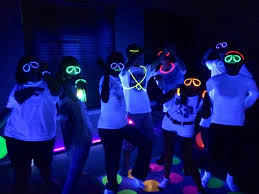 neon party fun glow in the dark party ideas