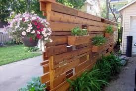 54 Beautiful Yet Functional Privacy Fence Planter Boxes Ideas Matchness Com Privacy Screen Outdoor Privacy Planter Vertical Garden Diy