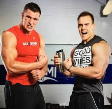 Meet Chris Gronkowski, Former NFL Player-Turned-Entrepreneur Who Invented  'The Ice Shaker' — A Vacuum-Sealed Protein Shaker – BroBible
