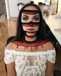 teacher uses 3d makeup for mind bending