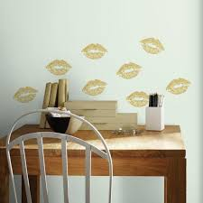 Roommates 5 In X 11 5 In Lip 8 Piece Peel And Stick Wall Decals With Glitter Rmk3531scs The Home Depot