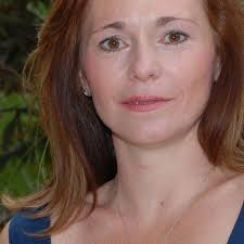 Adriana Davis | Voice over actor | Voice123
