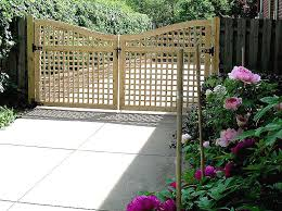 Wood Scalloped Square Lattice Double Gate By Elyria Fence