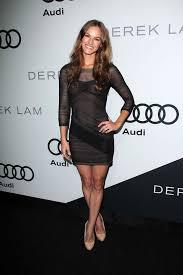 Actresse Kelly Overton   Body Measurements