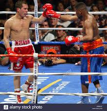 May 28, 2005; Los Angeles, CA, USA; (L) Legendary boxer Julio ...