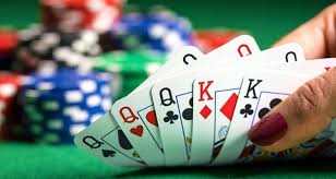How to choose the best judi poker domino online site