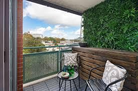 8 Ways To Create Beautiful Artificial Hedge Walls