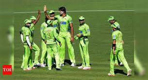 the tallest cricketers of the ongoing