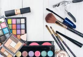 things to pack in a bridal makeup box