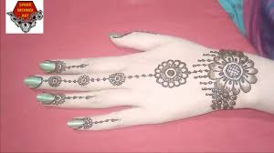 simple mehndi back hand mehndi design