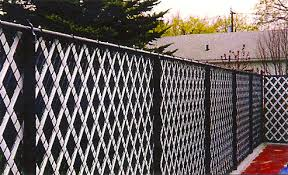 Chain Link Fence With Aluminum Privacy Slats Chain Link Fence Fence Design Black Chain Link Fence