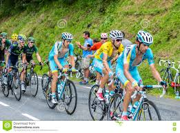 The Cyclist Vincenzo Nibali In Yellow Jersey - Tour De France 2014  Editorial Photo - Image of mountain, bunch: 74948921