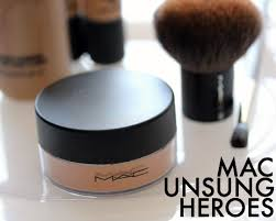 mac iridescent powder loose