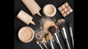 what s in a makeup artist s makeup kit