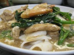 Flat Rice Noodle with Egg Gravy (Wat ...