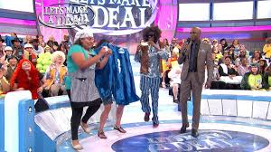 """Let's Make a Deal on Twitter: """"Today on #LMAD… a baker, curtain #3 and a  hippie choose between cash or a box. What will it be?! WATCH FULL EPISODE:  https://t.co/aLcDxcL2wb… https://t.co/MSnIkkMibl"""""""