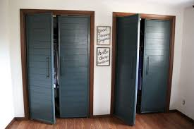 diy bi fold closet door makeovers