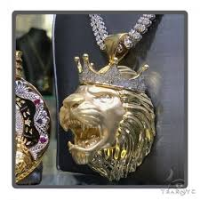 large crown lion head diamond pendant