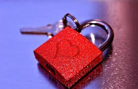 wallpaper lock heart love 6000x3858