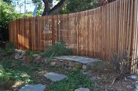 Curved Plank Fence Google Search Wood Fence Design Fence Design Bamboo Garden Fences