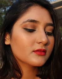 easy makeup look for parties red lips