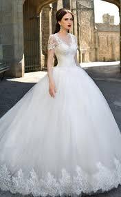 صور بدلات عرايس تالقي كالاميرات باجمل فساتين الزفاف عيون