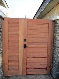 Thousand Oaks Contemporary Exterior Renovation Wood Fence Gates Side Yard Gate Backyard Fences