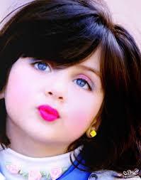 خلفيات اطفال حلوين طفل بضحكة جنان حنان خجولة