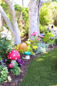 13 vintage garden decor ideas alice