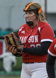 SOFTBALL ROUNDUP: Moore carries perfect game into final at-bat in ...