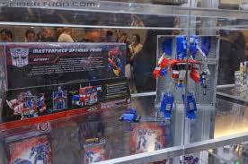 hasbro toys r us exclusive masterpiece