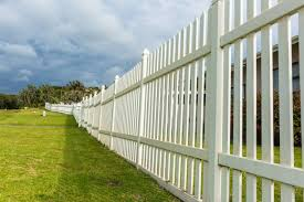 8 419 Vinyl Fence Stock Photos Pictures Royalty Free Images Istock