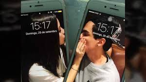matching phones wallpaper for couples