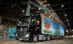 DSM takes a leap forward on safety with Mercedes-Benz MirrorCam from  Northside – Trucker World