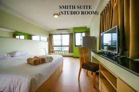 STUDIO ROOM (SMITH SUITE) - Picture of Chiangmai Smith Residence ...