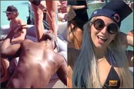 Video: Bears Roquan Smith Parties on Yacht With Porn Star Abella Danger &  White Girls During Coronavirus | BlackSportsOnline - Part 4