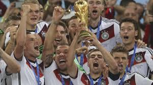 Weltmeister mit goldener Zukunft zur Party nach Berlin | Sport A-Z