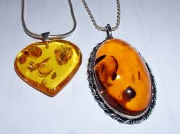 amber definition and synonyms of
