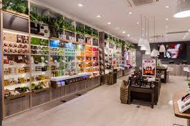 the body shop store的圖片搜尋結果   The body shop, Retail interior ...