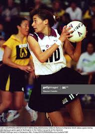 North Harbour's Sharlene Smith takes a pass during Nth Harbours game...  News Photo - Getty Images