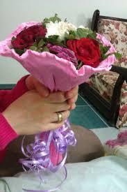 بوكيه ورد جميل اوى تشكيله من بوكيهات الورد الرائعه عزه و ثقه
