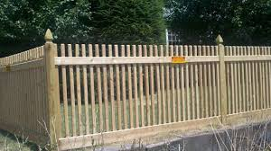 Picket Fence Designs Fence Company S All About Fences Fence Blog Nine Types Of Wood Fence Wood Fence Cedar Wood Fence Fence Design
