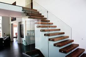 10 Staircase Fence Designs To Help You In Your Choice