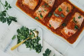 Recipe: Vodka-Sauce Baked Salmon