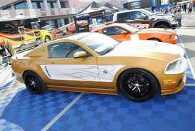 Gold Or Champagne Color Mustang With A Pretty Cool Decal Scheme Mustang Dream Cars Car