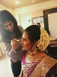 professional makeup artist in navi