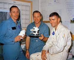 "NASA HQ PHOTO on Twitter: ""NASA Apollo 13 astronauts Jack Swigert, Jim  Lovell, and Fred Haise pose for a photograph the day before launch, April  10, 1970.… https://t.co/aYvATZii0a"""